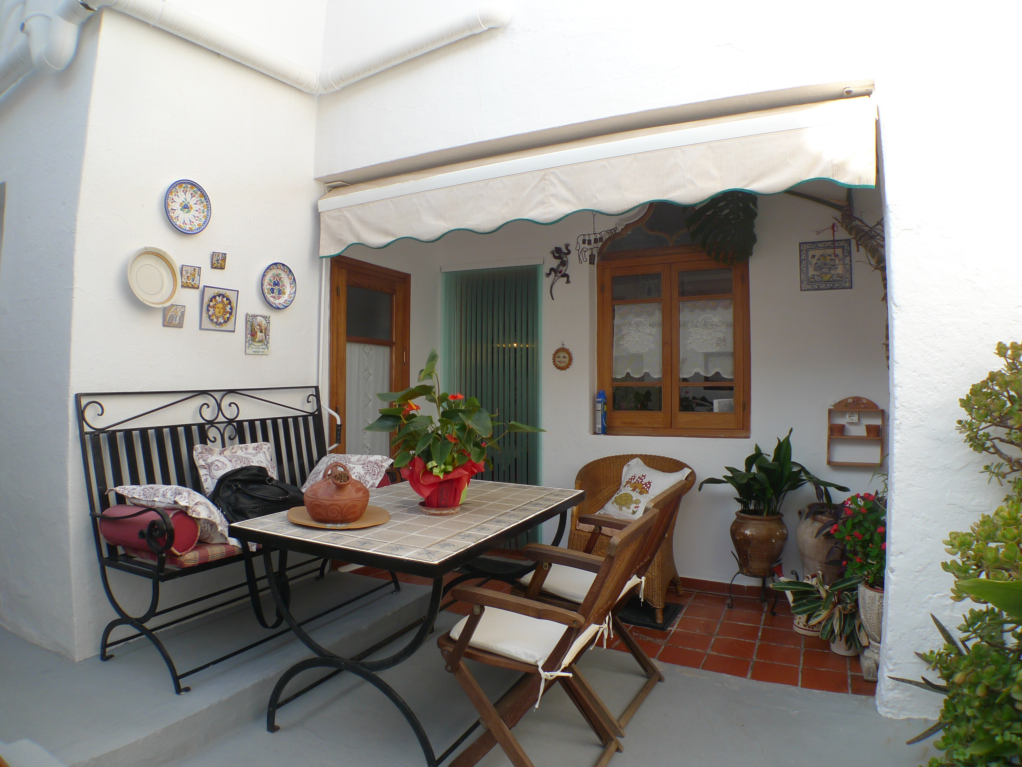 In centro a mahon vendesi bella casa minorchina con giardino for Una casa di storia con seminterrato