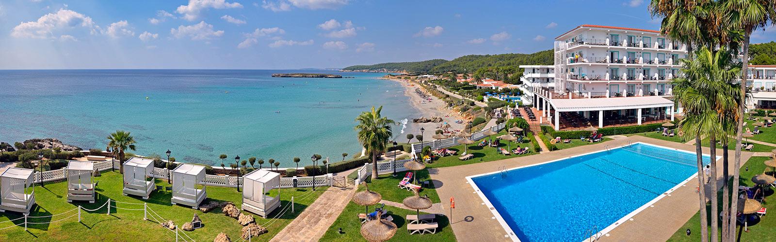 Trovare un last minute per minorca for Villaggi vacanze barcellona