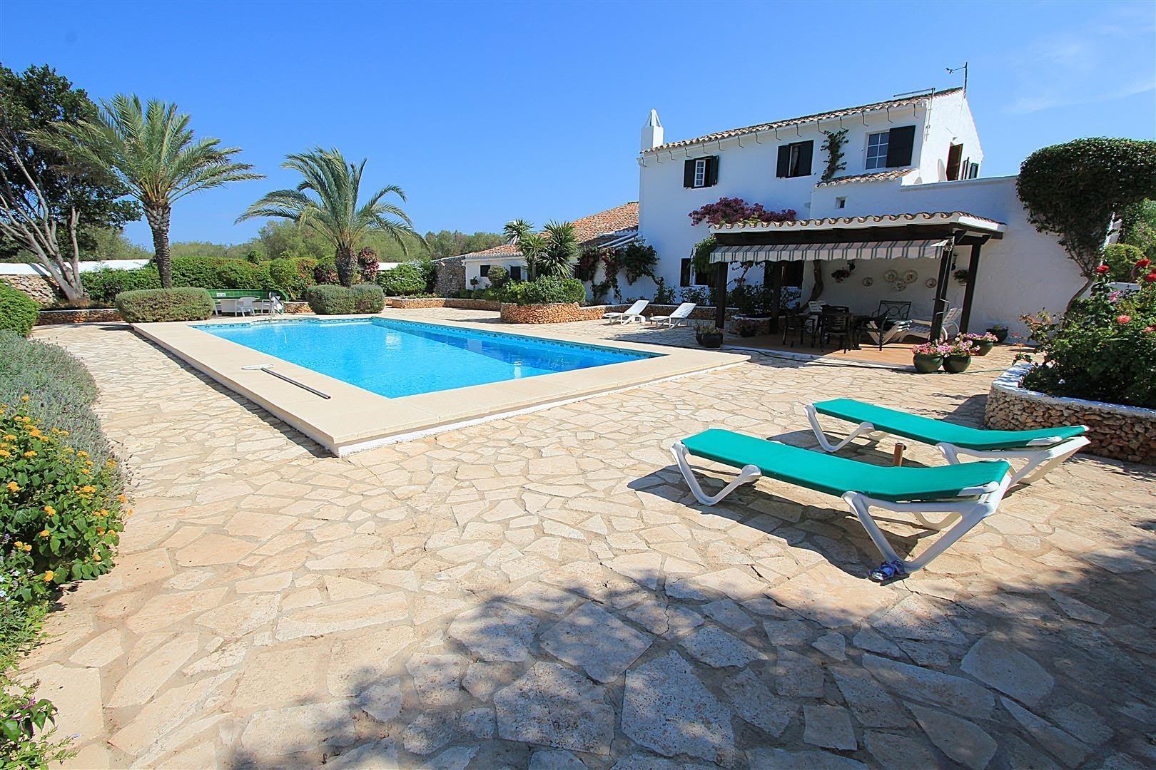 Affittare una villa a minorca isola di minorca for Villaggi vacanze barcellona