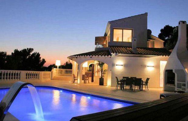 Case di lusso calo dei prezzi in arrivo i compratori europei for Piani di case di lusso