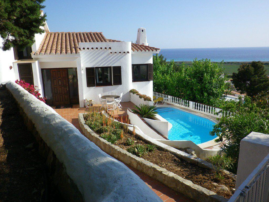 Splendido chalet panoramico in vendita sulla spiaggia di for Piani di casa sulla spiaggia su palafitte