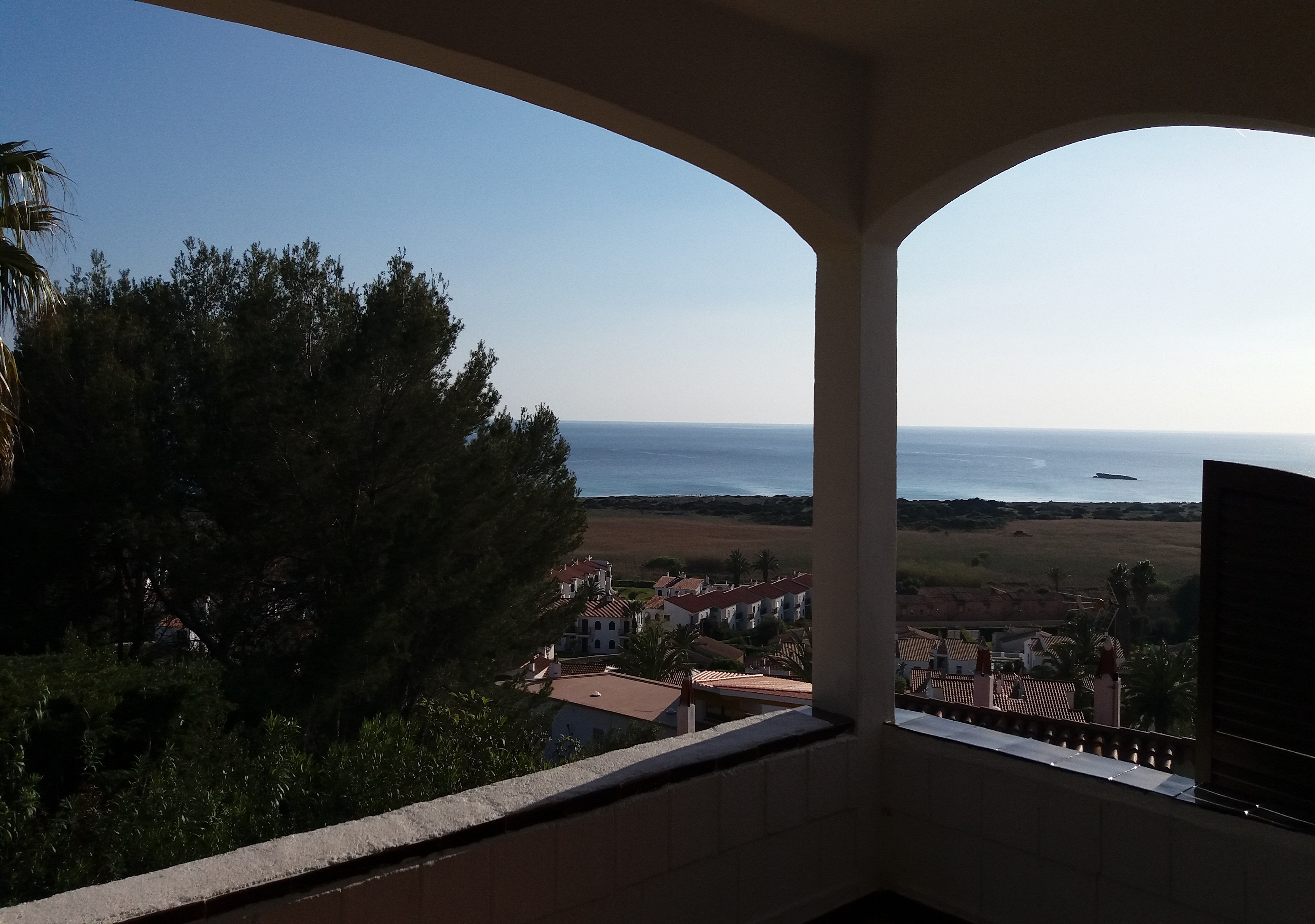 Splendido chalet panoramico in vendita sulla spiaggia di for Piani casa sulla spiaggia