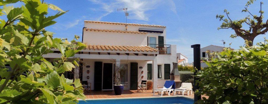affittare una villa con piscina sul mare a minorca per le vacanze
