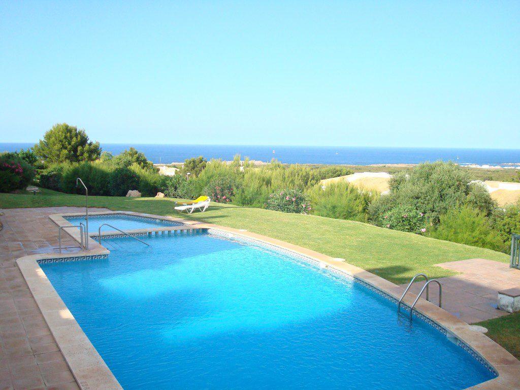Bella casa con piscina e giardino privato per le vacanze - Casa vacanze con piscina privata ...