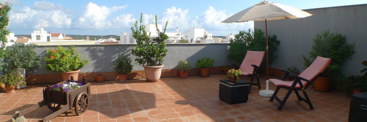 Bella proprietà nei pressi di Mahon con piscina e terrazza panoramica