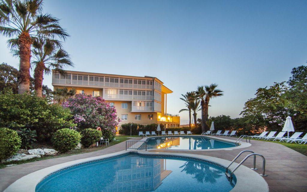 low cost hotel mahon