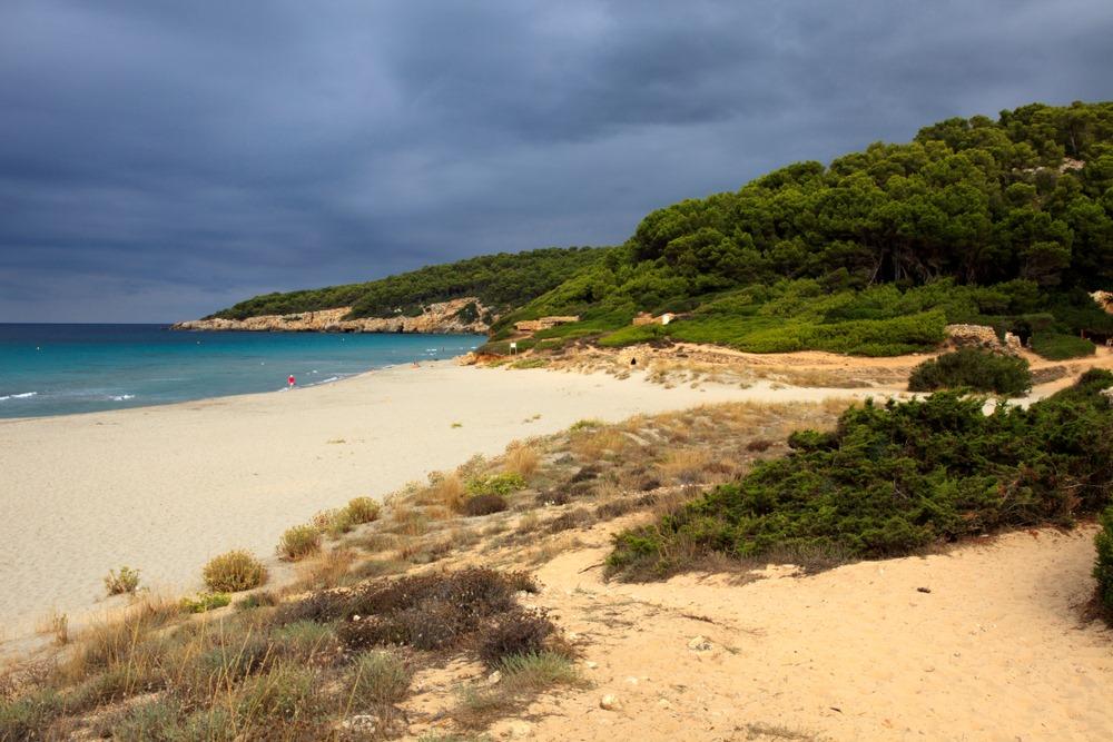 playas nudistas menorca binigaus
