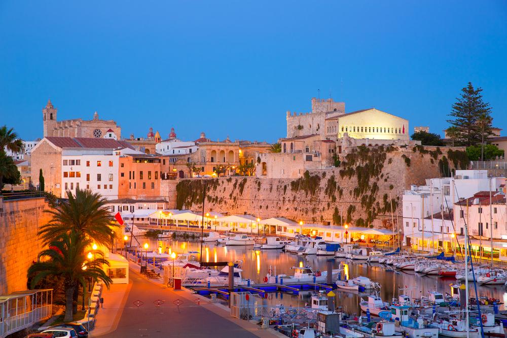 https://www.isoladiminorca.com/ristorante-ciao-belli-un-pezzetto-di-italia-a-minorca-spiaggia-di-son-xoriguer.html