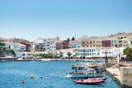 Es Castell (Menorca): todo lo que hay que ver y hacer