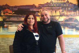 """Lele y Anna de la pizzería """"La Bella Italia"""" de Ciutadella: coraje y pasión entre harina y mozzarella"""""""