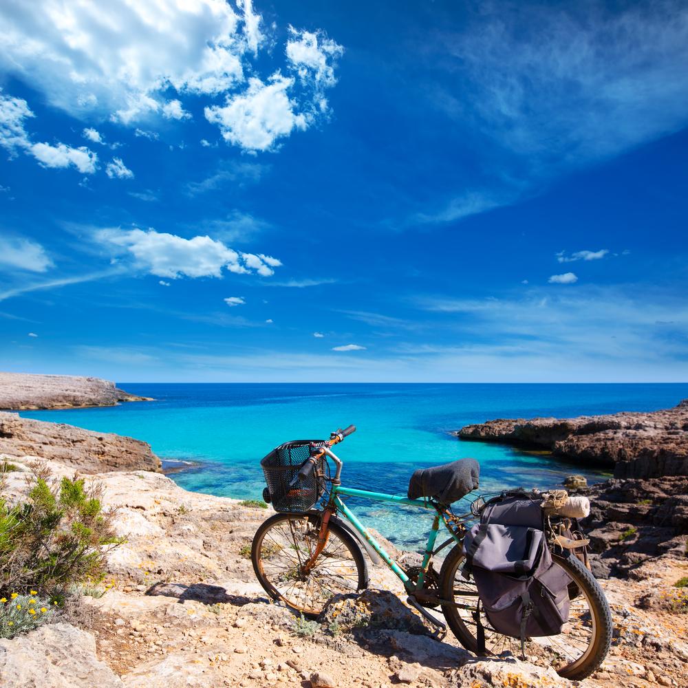 minorca spiagge in bici