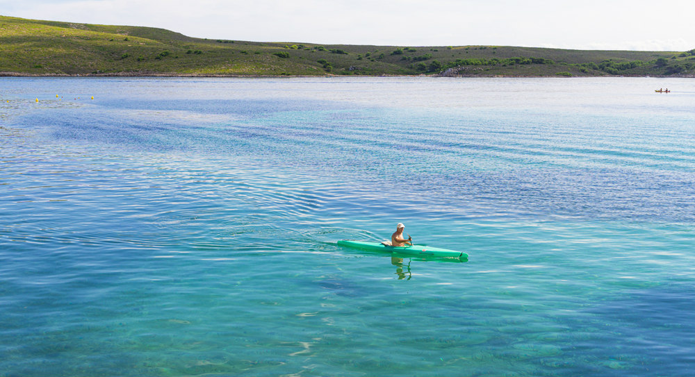 excursión en kayak por el norte de Menorca